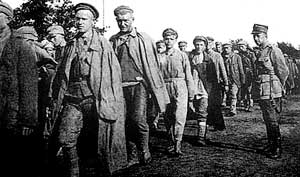 Пленные красноармейцы в Тухольском лагере
