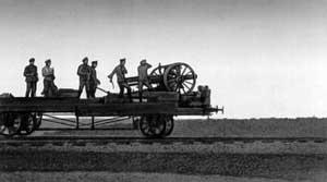 Стрельба по украинским войнскам с платформы бронепоезда под Баром. Июнь 1919.