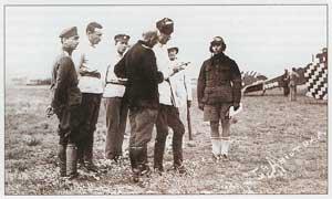 Генерал барон П. Н. Врангель и лётчики Пятого авиаотряда