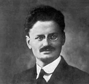 Лев Троцкий, председатель Петроградского совета