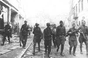 Совместный патруль Красной Армии и Армии крайовой в Вильнюсе