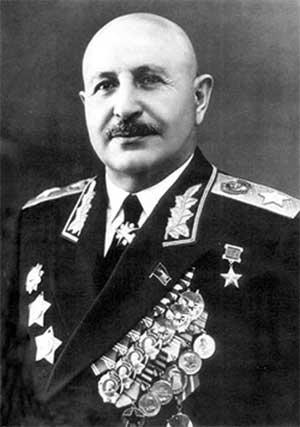 Иван Баграмян, командующий 1-м Прибалтийским фронтом (послевоенное фото)