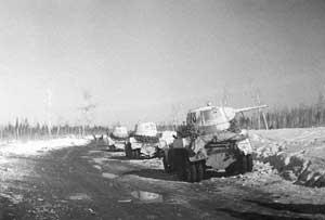 Колонна бронеавтомобилей БА-10 одной из частей Ленинградского фронта, зима 1942-1943 гг.