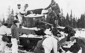 Подбитый советский танк T-26