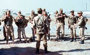 Советская группа СпН готовится к выходу на задание, в Афганистане, 1988.